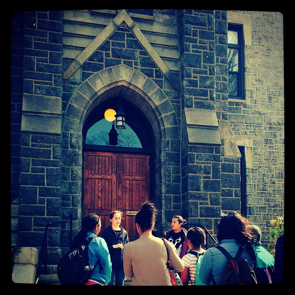 Grace Pusey and Emma Kioko give a Black at Bryn Mawr tour to Professor Linda-Susan Beard's Tuesday morning class. (Credit: Monica Mercado)